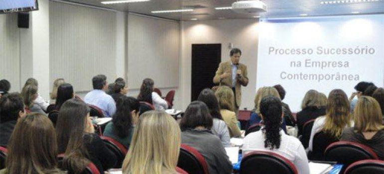 Liderança e Sucessão com Professor Joel Souza Dutra